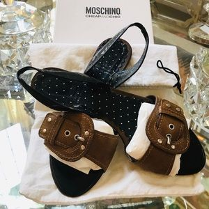 Moschino Cheap & Chic buckle flat leather sandals